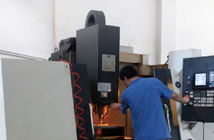 Hi-speed CNC machining Center